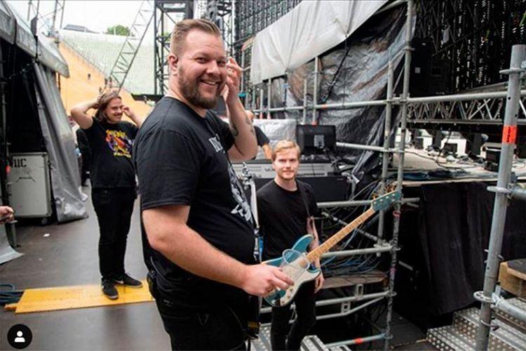James Hetfield entró a rehabilitación y Metallica suspendió su gira