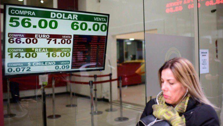 Caída de reservas: disminuyeron USD 28.500 millones en menos de seis meses