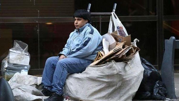 Estiman que la pobreza trepó al 35% por la caída del ingreso real en el último año