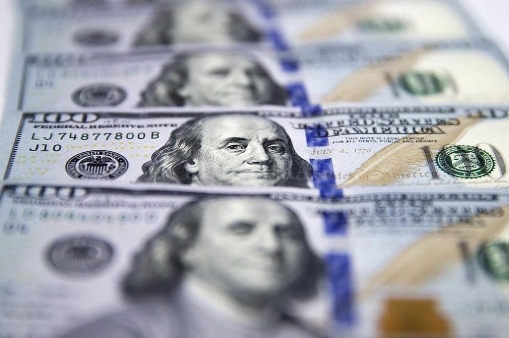 El dólar abrió estable a $59,56