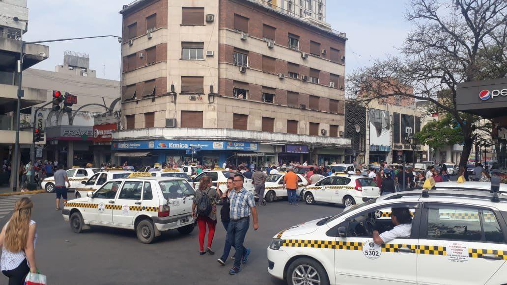 Protesta de propietarios y conductores de taxis