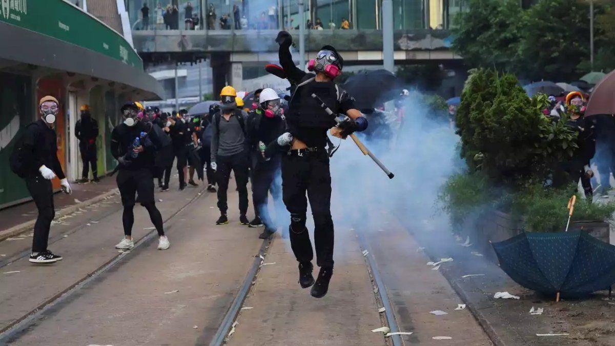 La policía usaba armas de fuego durante la manifestación
