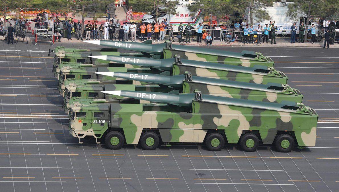 China reveló armas nuevas en el mayor desfile militar de su historia