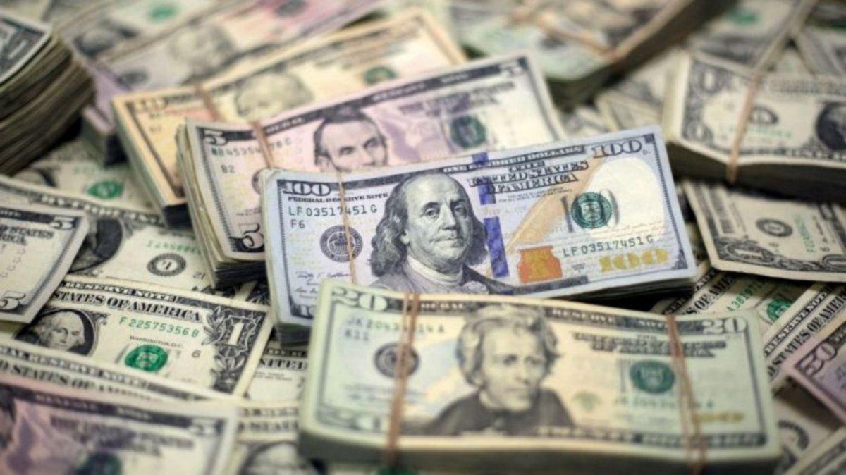 Los préstamos en dólares tuvieron una caída récord en septiembre