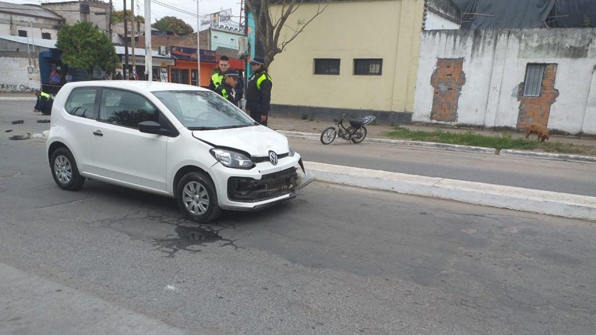 Los vehículos se encontraron en la intersección de dos avenidas.