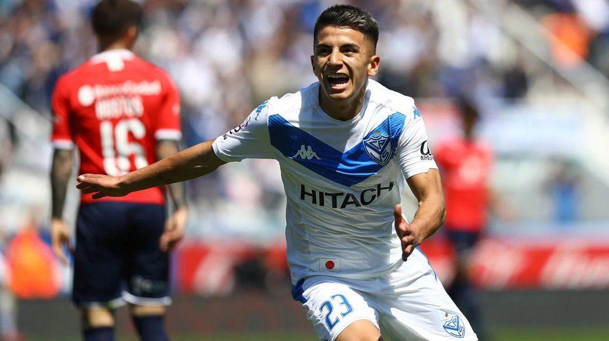 Vélez festejó en el Amalfitani y escala posiciones en la Superliga.