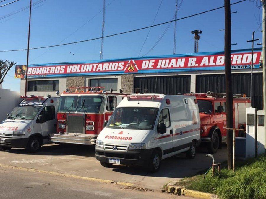Los Bomberos de Alberdi sofocaron el fuego.