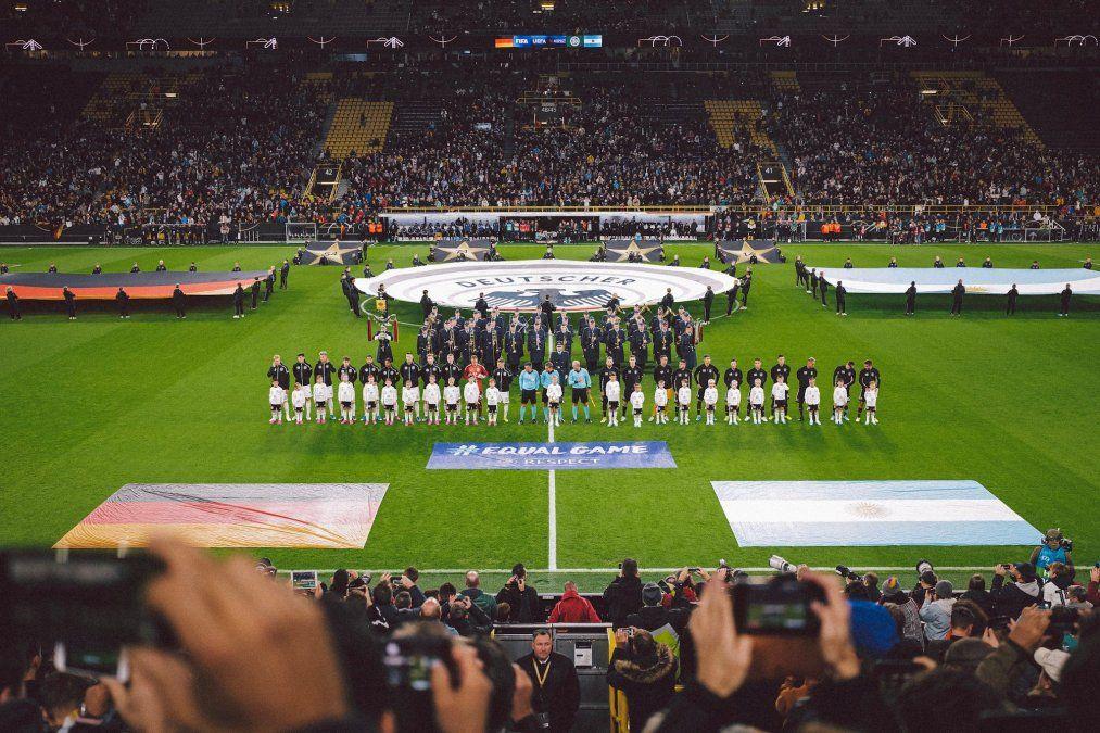 Dortmund recibe a los finalistas de Brasil 2014.