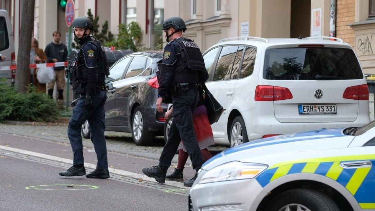 La policía alemana pidió a los habitantes que permanezcan en sus casas.