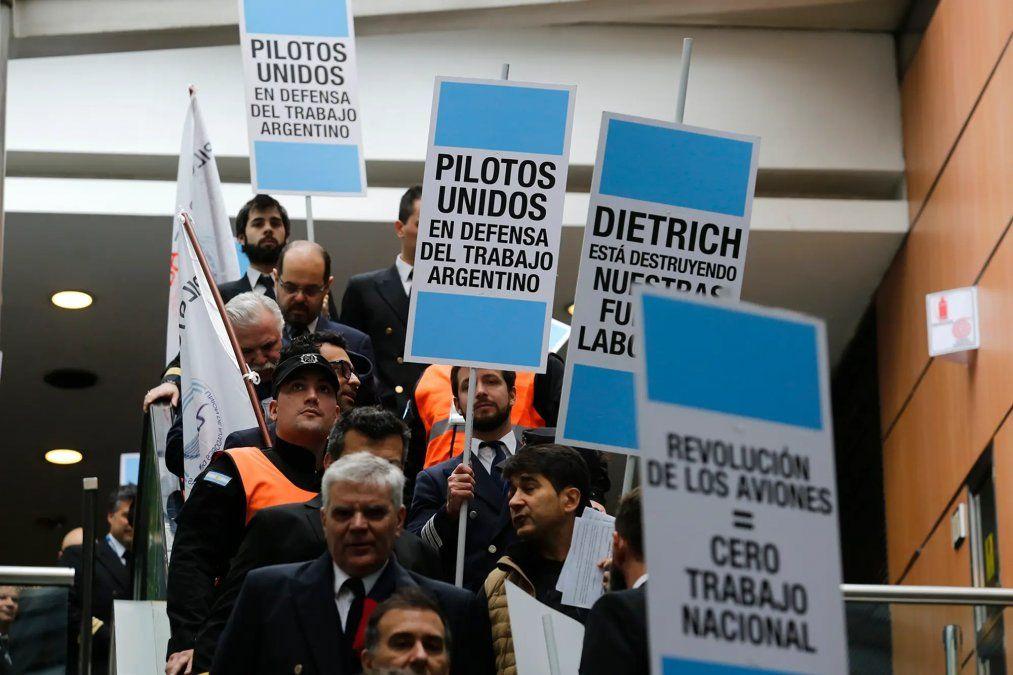 Hubo acuerdo salarial entre el gremio de pilotos y Aerolíneas Argentinas