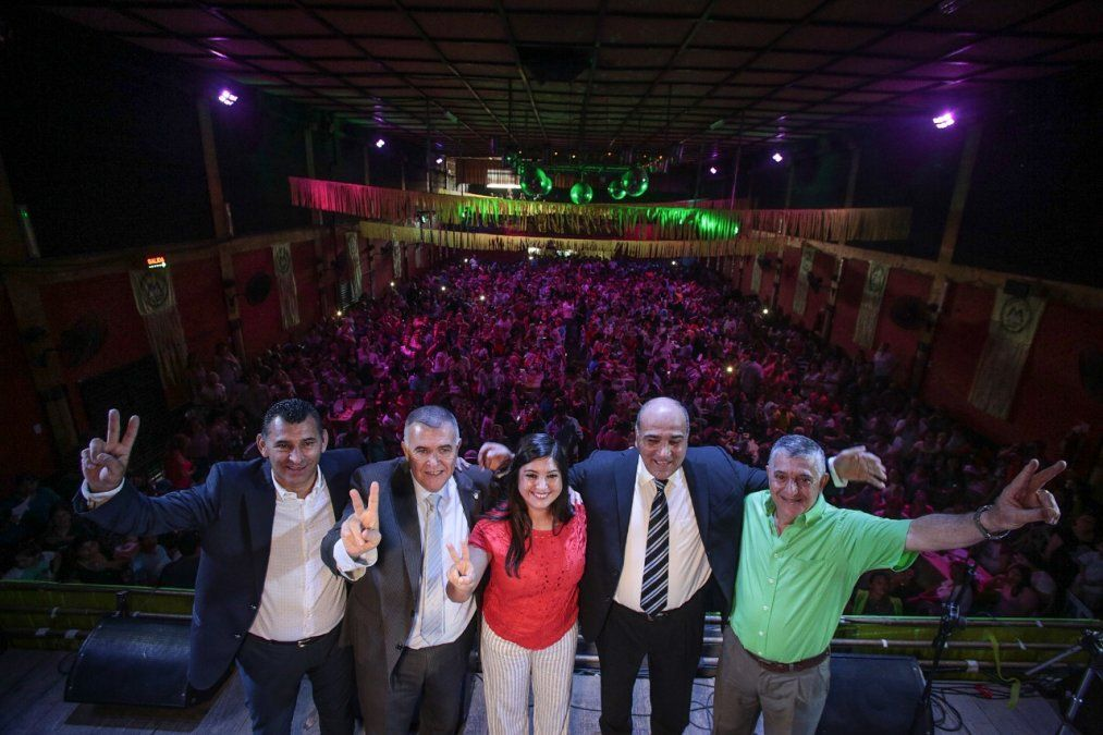 Una multitud recibió a Juan Manzur: vamos a volver