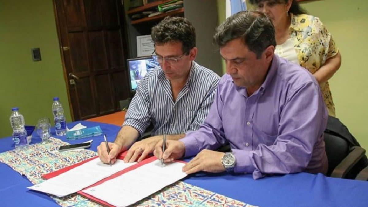 Gabriel Yedlin y Carlos Gallia firmaron el convenio.