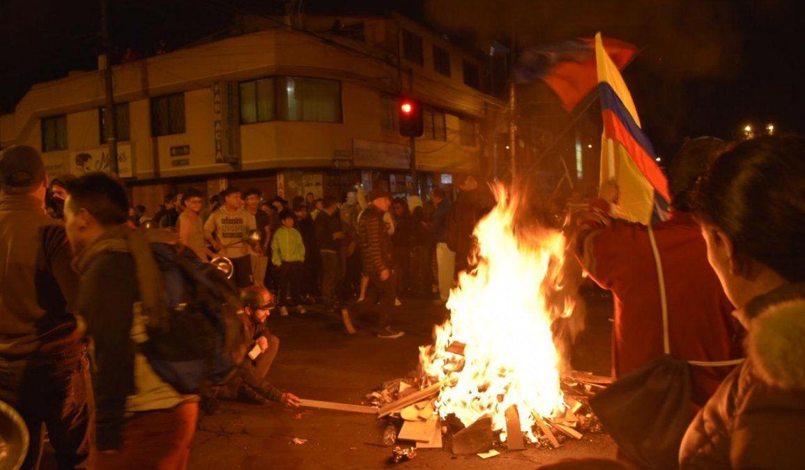 Ecuatorianos desafiaron el toque de queda