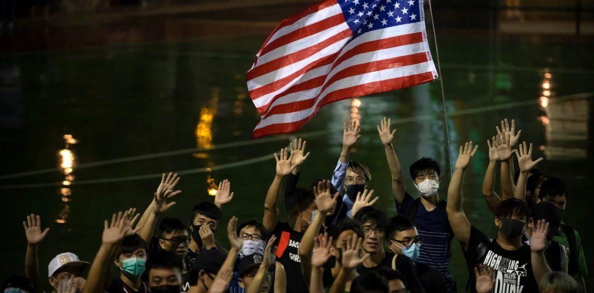 El proyecto de ley impulsado por la Cámara de Representantes de Estados Unidos contempla la adopción de sanciones contra cualquier funcionario que atropelle las libertades fundamentales en Hong Kong.