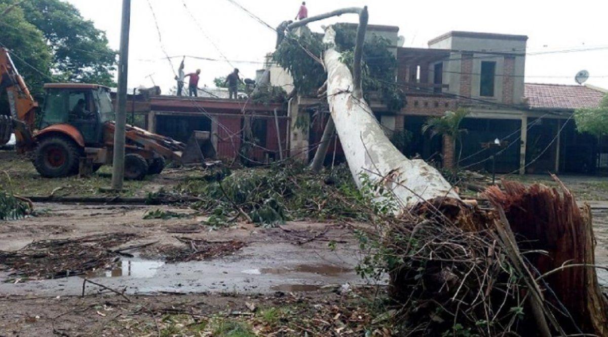 El Gobierno asiste a las familias afectadas por la tormenta.