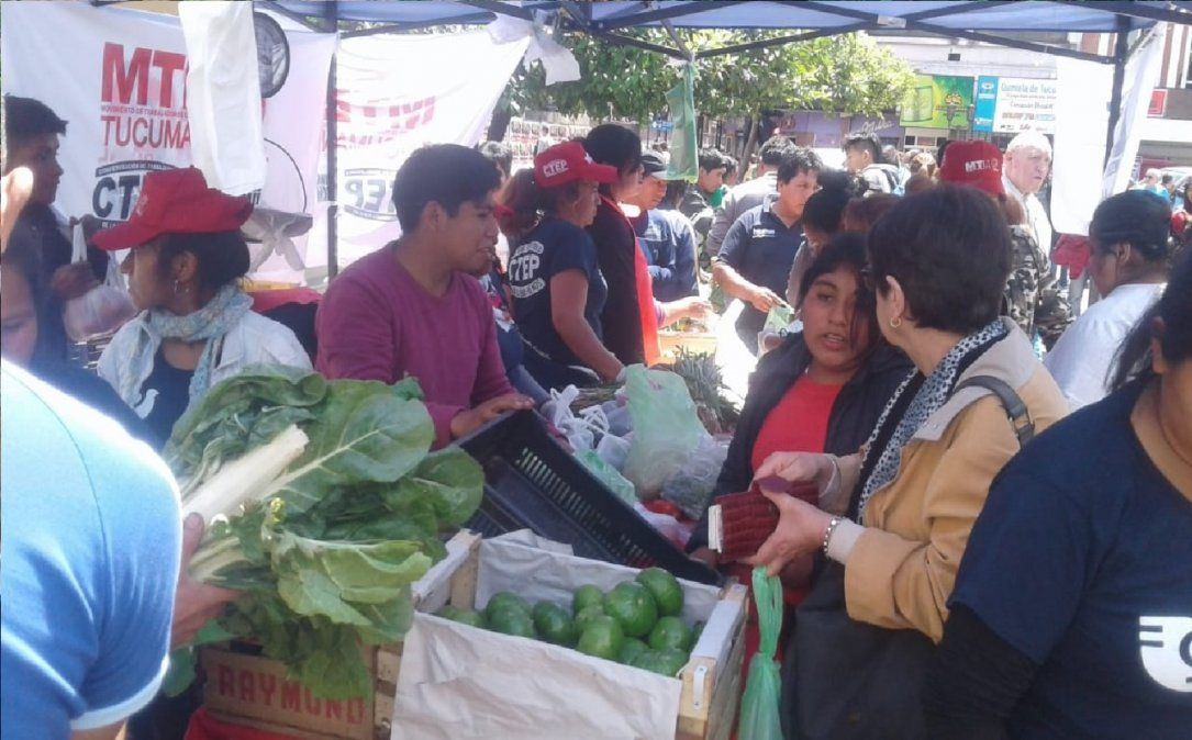 Se realizó un nuevo alimentazo en plaza Independencia