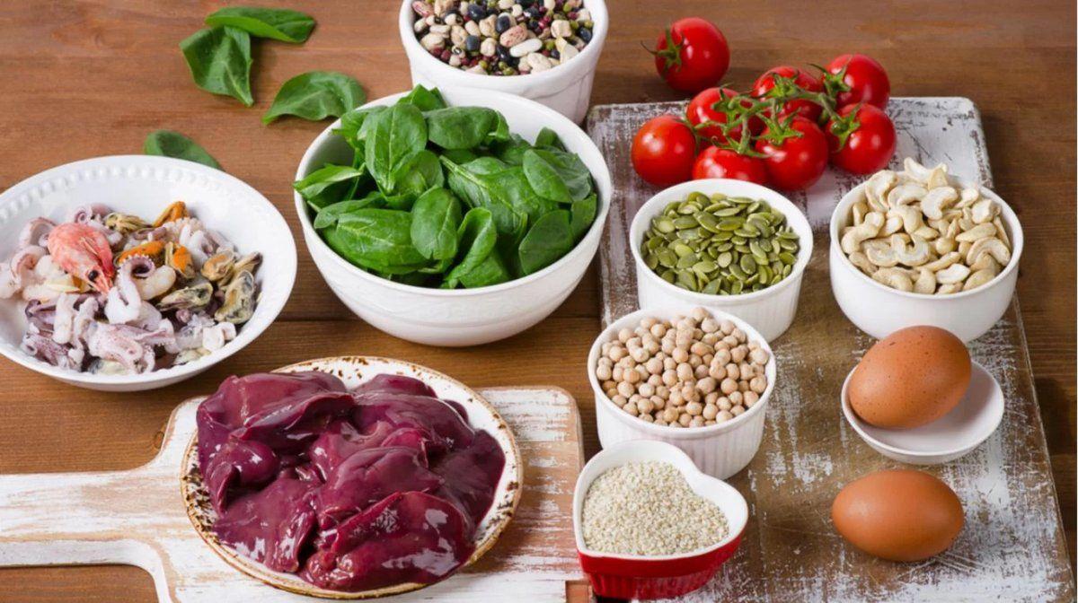 Los alimentos con alto contenido de hierro pueden ayudar a quienes tengan anemia