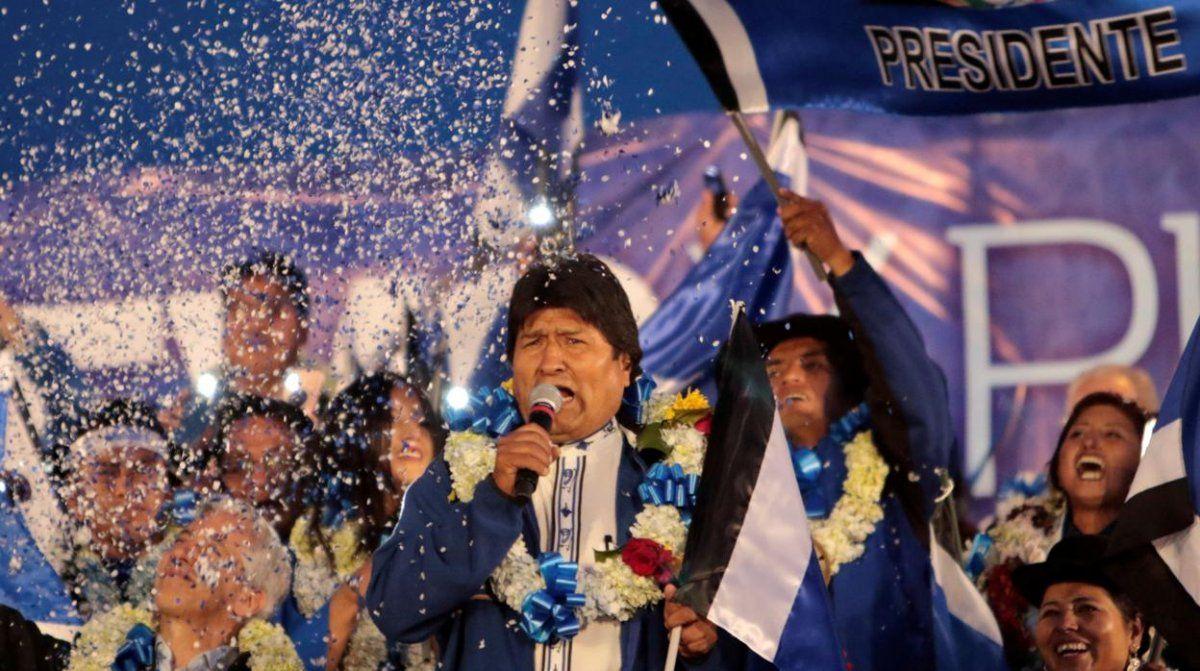 Ganó Evo Morales, pero habría una segunda vuelta