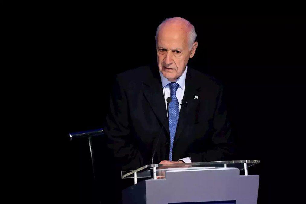 Roberto Lavagna en el segundo debate presidencial