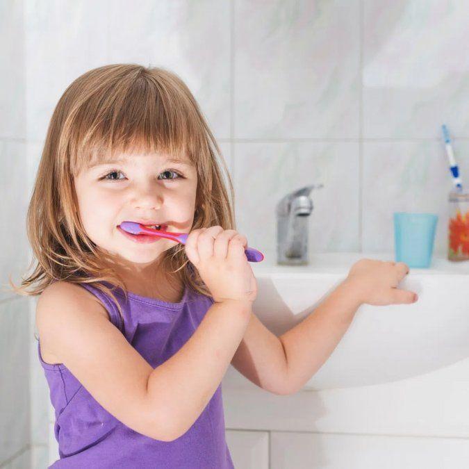 El cuidado de la boca desde niños previene enfermedades futuras