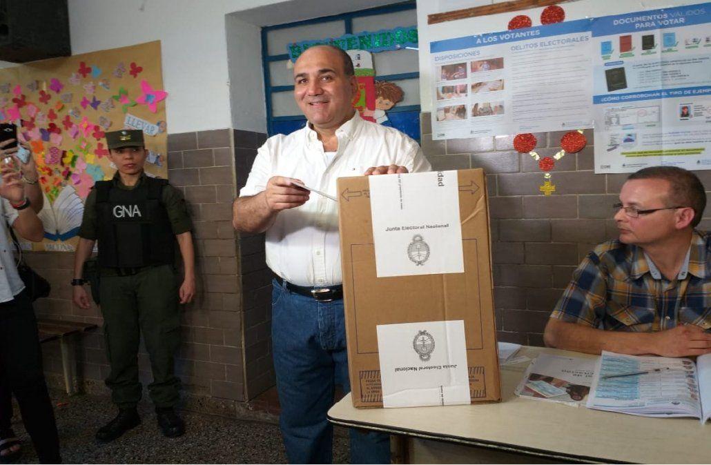 Votó Manzur y dijo que habló con Alberto Fernández