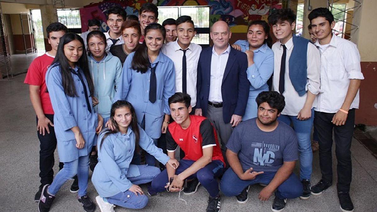 Lichtmajer visitó la escuela de Cóndor Huasi