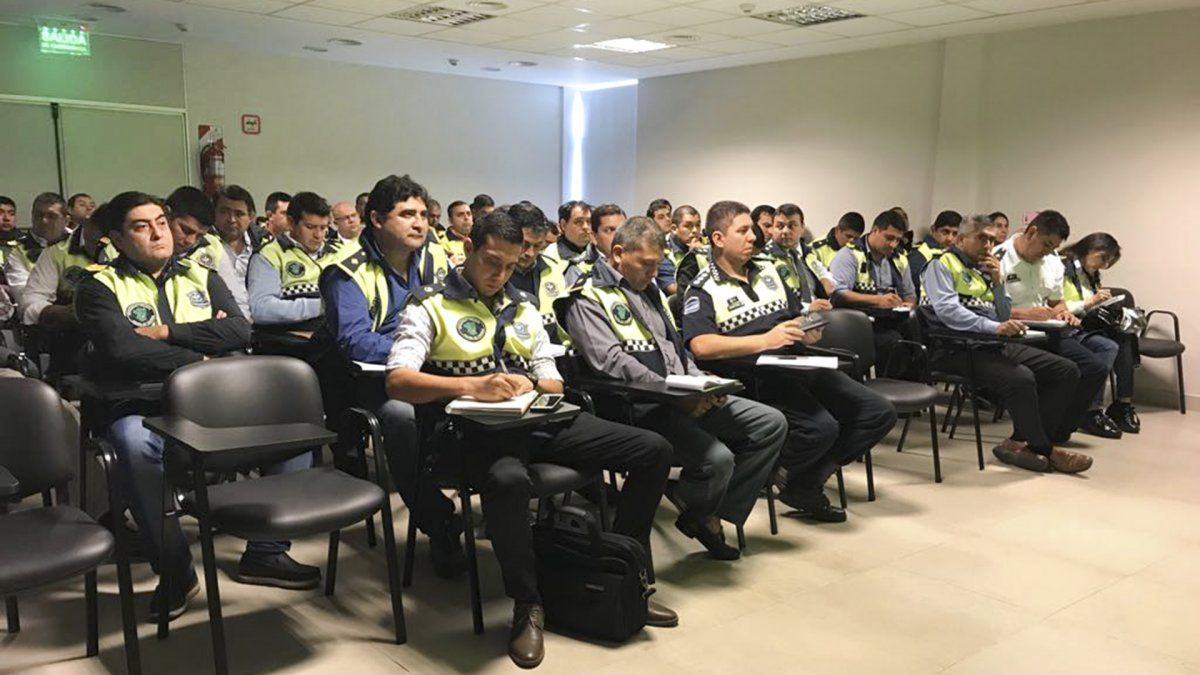 La Policía profundizará sus políticas de capacitación