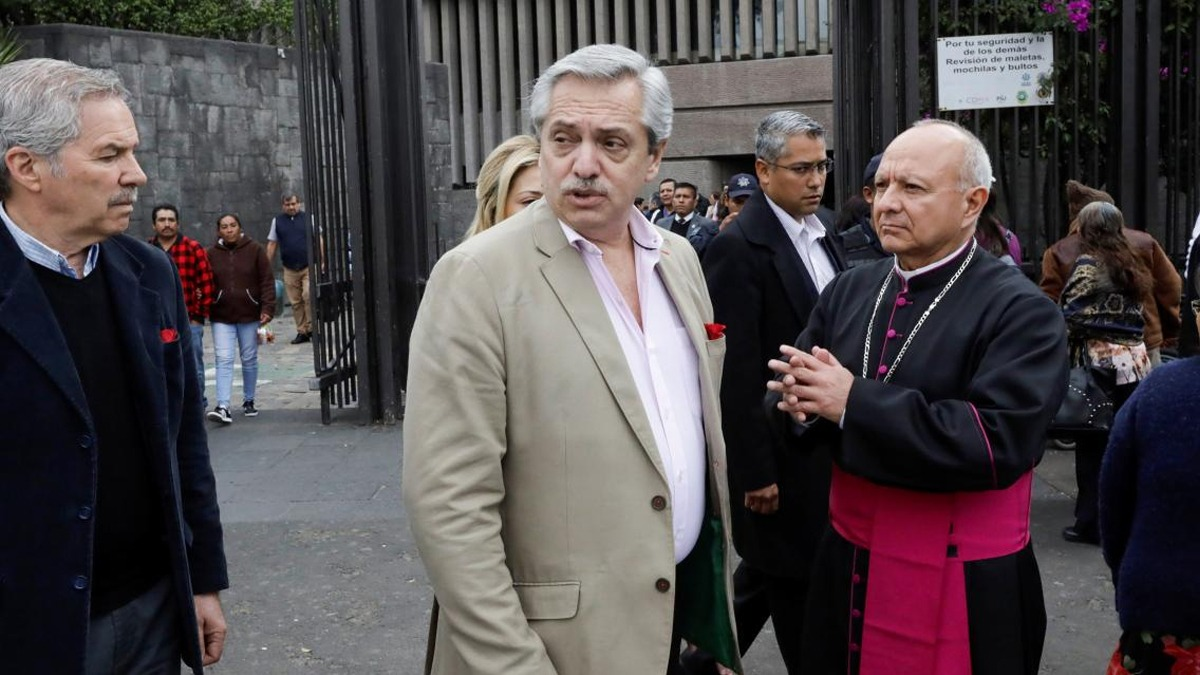 Alberto Fernández visitó la Virgen de Guadalupe