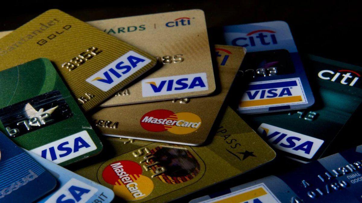 Los bancos aumentarán hasta 40% sus comisiones