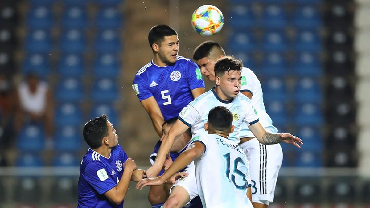 La Albiceleste cayó 3 a 2 ante Paraguay y quedó eliminado