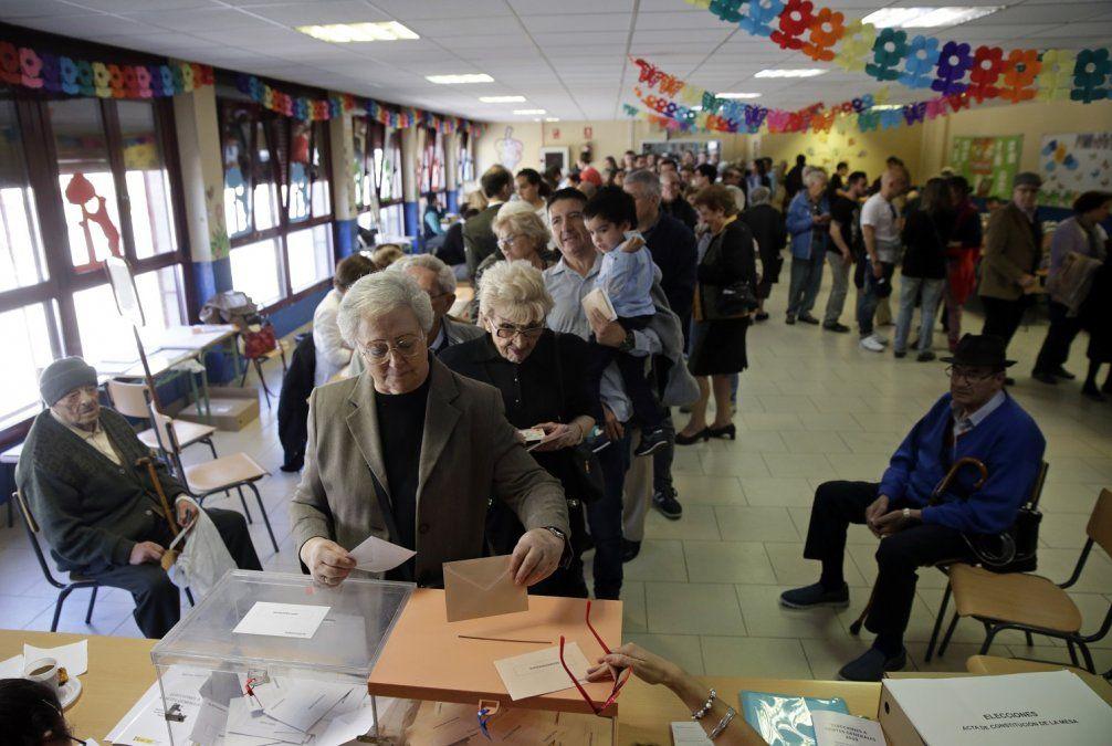 España vota en medio del conflicto de Cataluña