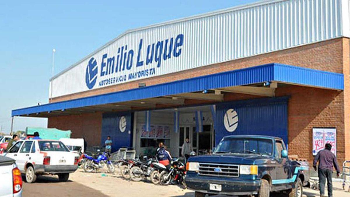 Cadena de supermercados jujeña compra locales de Emilio Luque