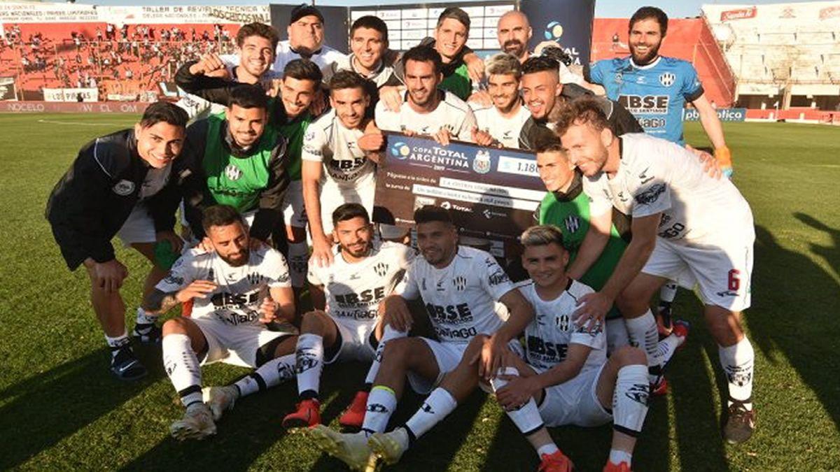 Central Córdoba venció a Lanús y es finalista