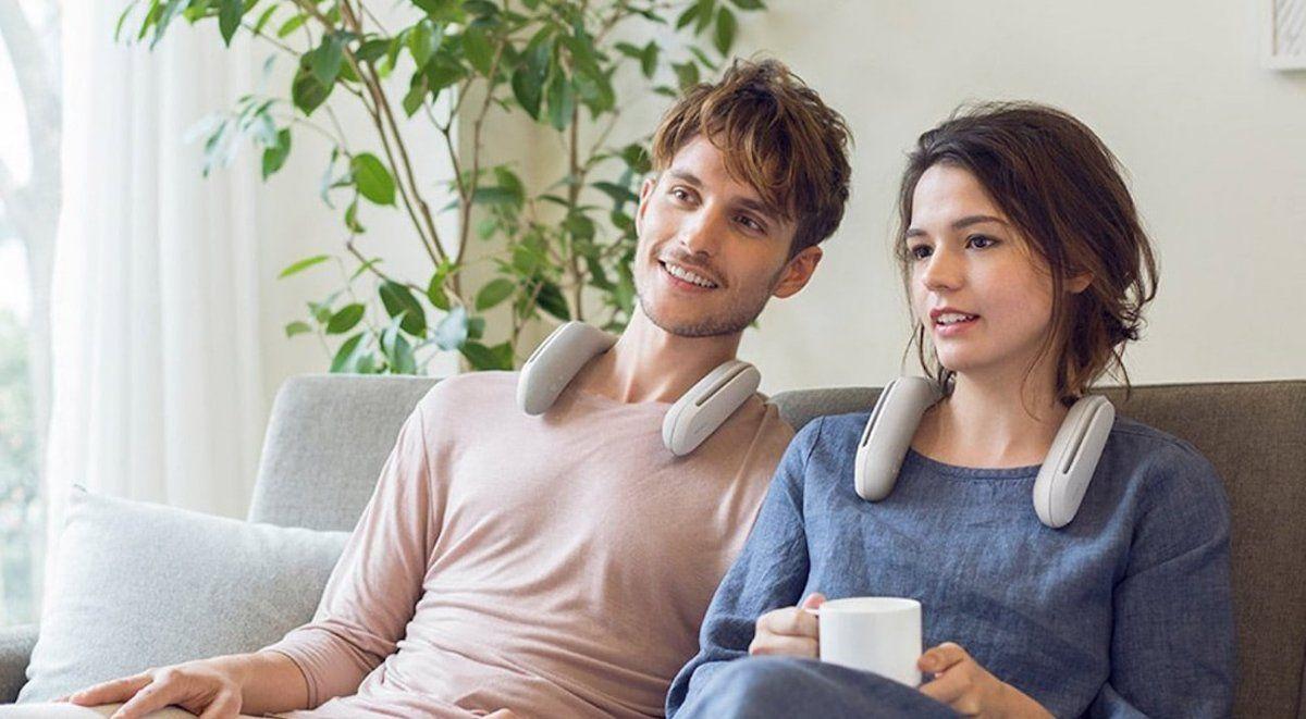 ¿Cuáles son los beneficios que ofrece un auricular que se usa rodeando el cuello?