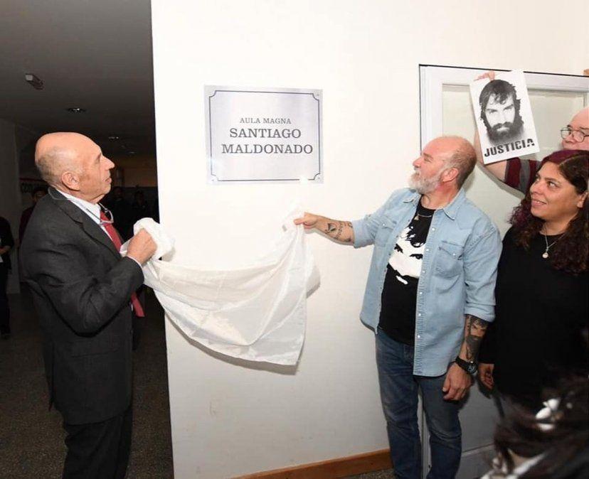 El Aula Magna de la UNTF se llamará Santiago Maldonado