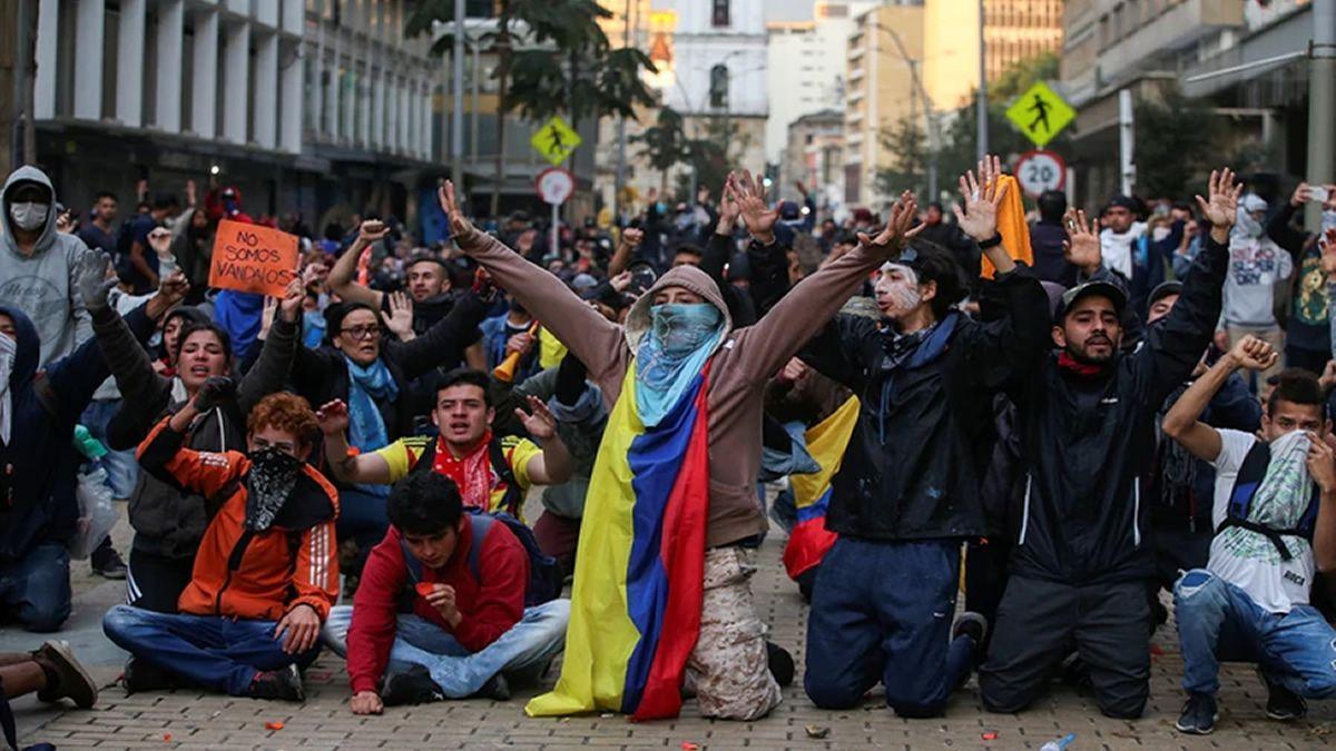 El presidente Iván Duque ordenó toque de queda en Bogotá