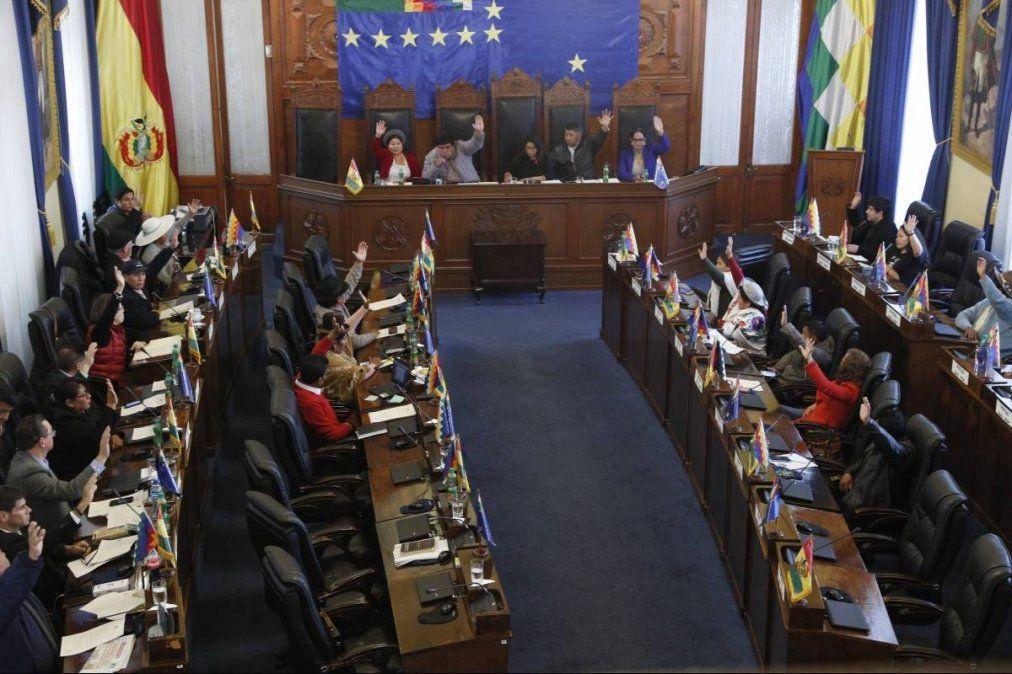 El Congreso aprobó nuevas elecciones sin Evo Morales