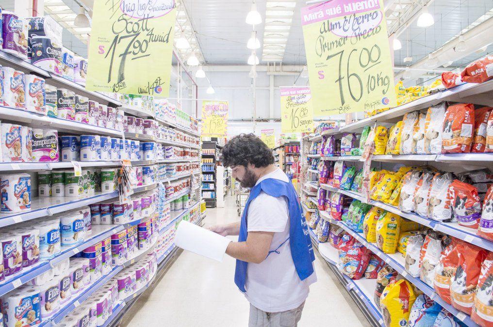Supermercados: remarcaron precios con hasta un 15% de aumento
