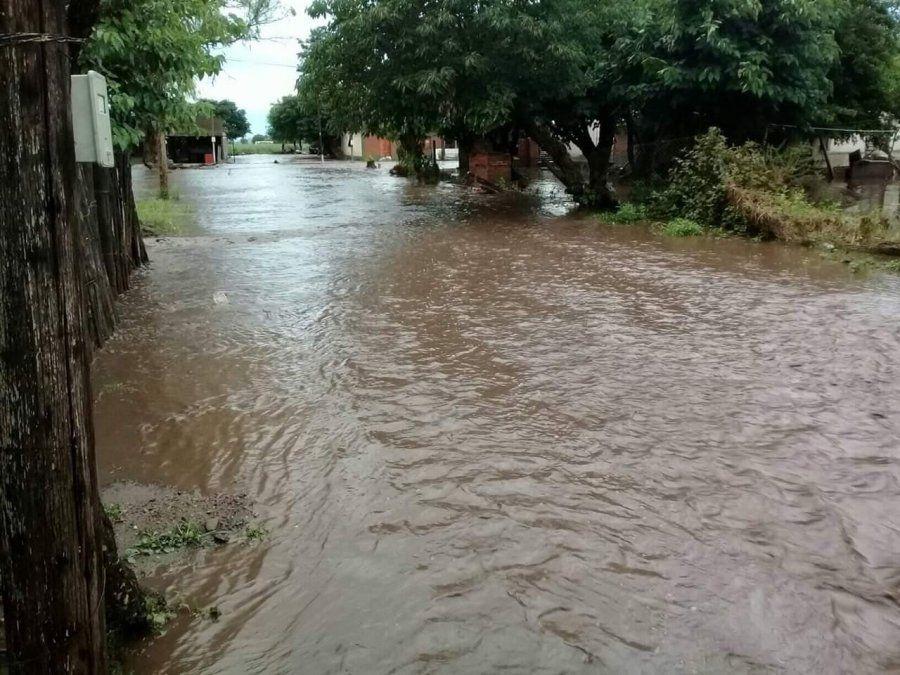 Refuerzan la asistencia por las lluvias en el sur provincial