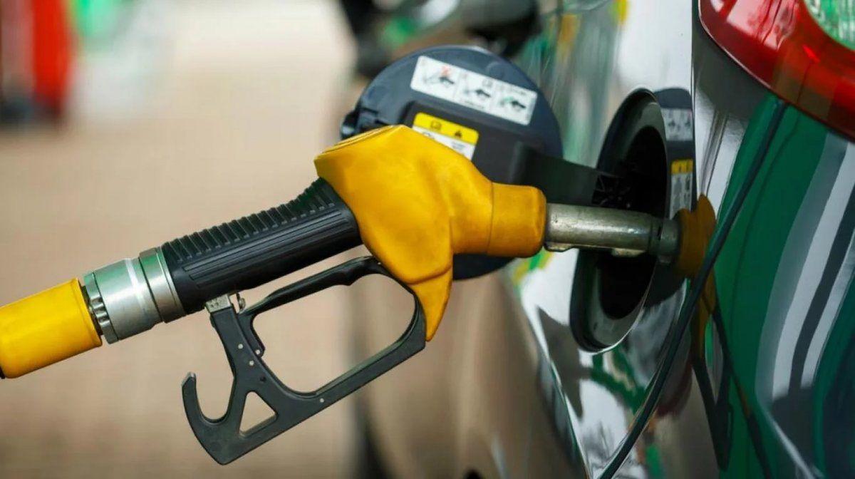 Aumentan los combustibles