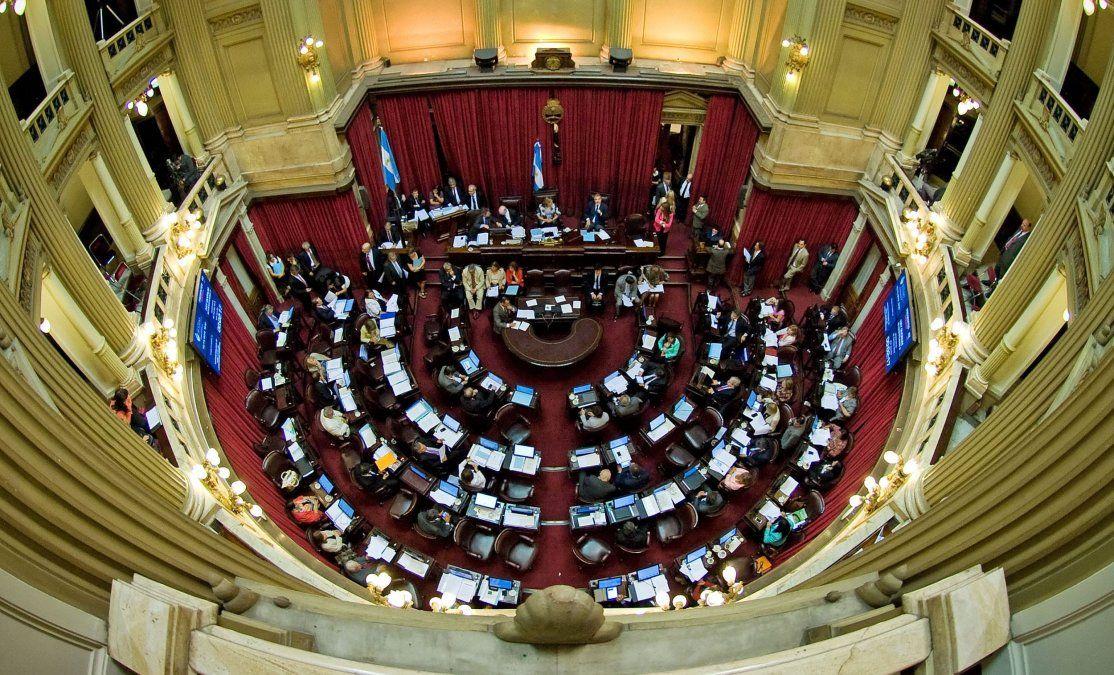 Juran los senadores electos y se definen las autoridades
