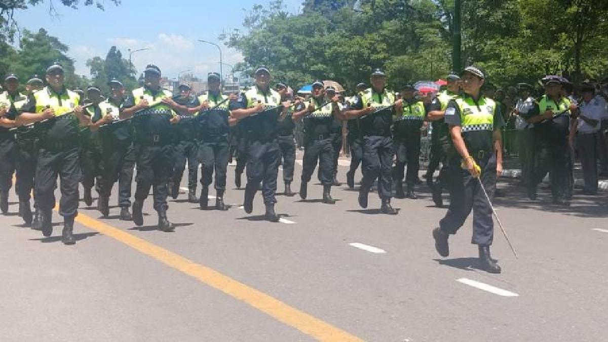 Con un desfile, la Policía festejó sus 198 años de creación