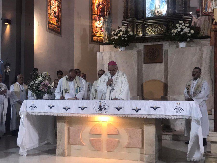 Melitón Chávez asumió como obispo coadjutor
