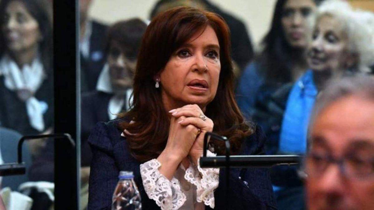 Cristina Kirchner volvió a pedir que televisen su indagatoria