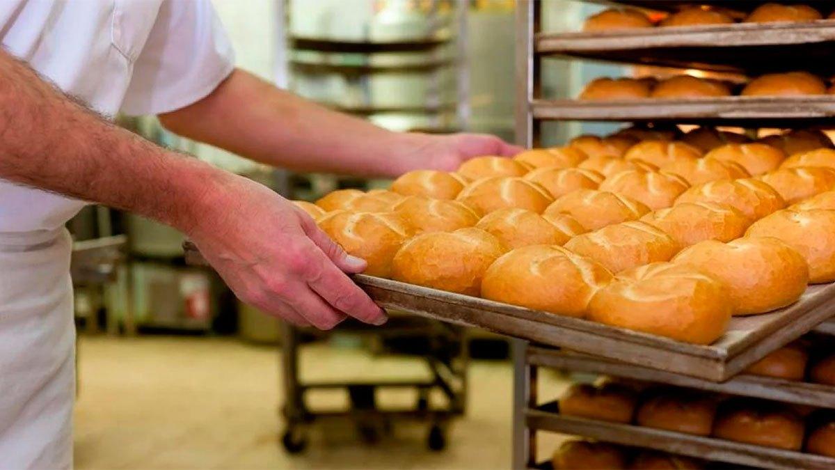 Empresarios analizan congelar el precio del pan