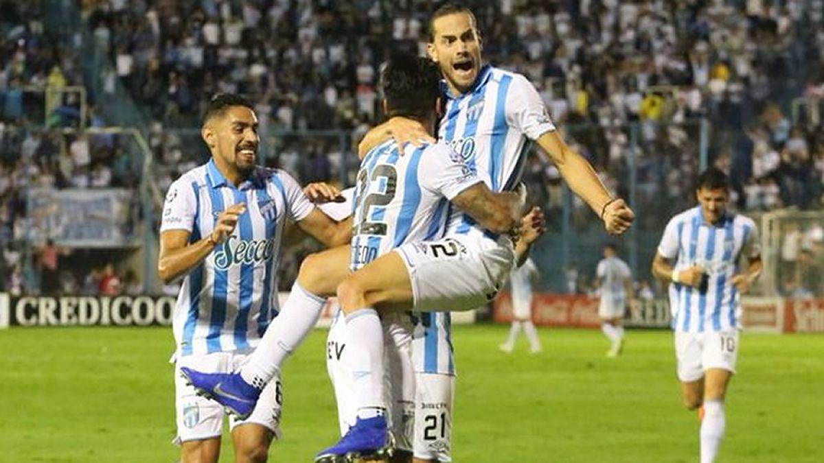 Atlético igualó 2 a 2 ante Newells en el Monumental