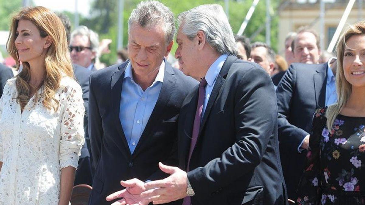 Dirigentes políticos destacaron el gesto entre Macri y Fernández