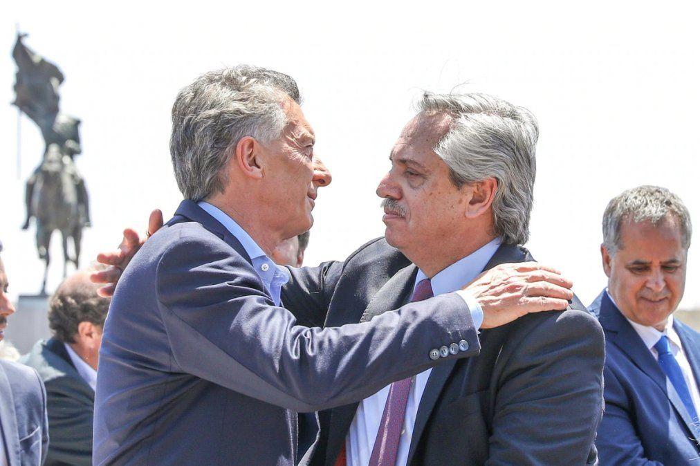 Macri y Fernández juntos: es una buena señal, un buen ejemplo
