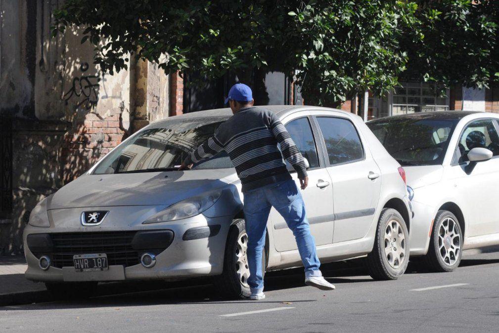 Estacionamiento en la calle: El municipio asegura que trabaja en la adjudicación del servicio