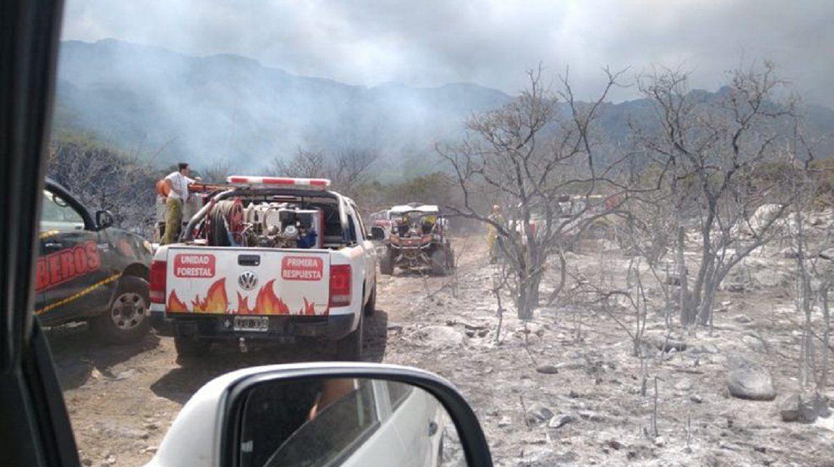 Cuarto día de focos de incendio en las sierras cordobesas